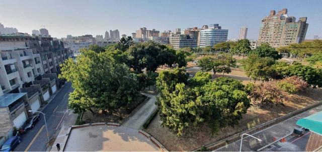 學區旁面公園景觀寓,台南市安平區建平十二街