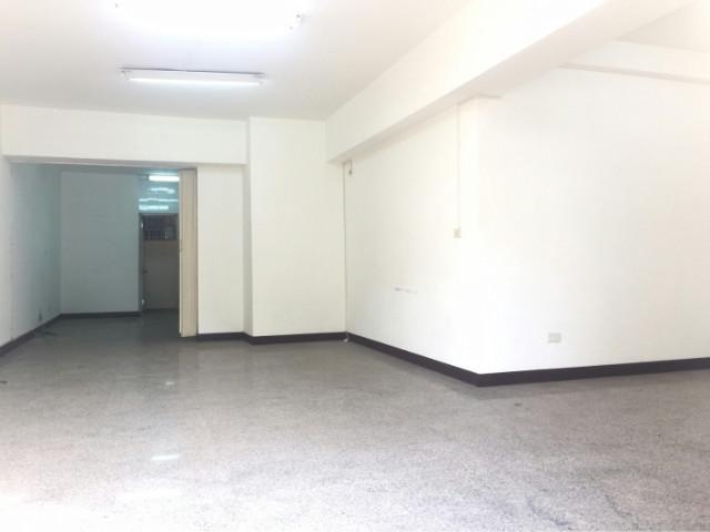 慈濟雙車位樓店,台南市安平區建平五街