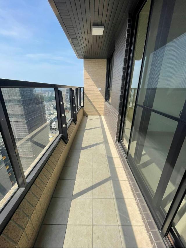 龍騰高樓層兩房雙平車,台南市安平區永華路二段