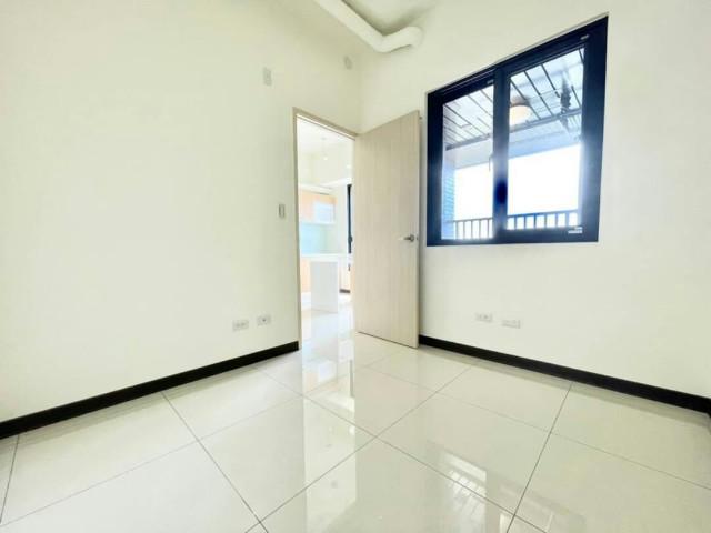 五期真愛全新兩房車位,台南市安平區國平北路